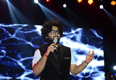 Arijit Singh steal Hyderabadies hearts with his magical voice