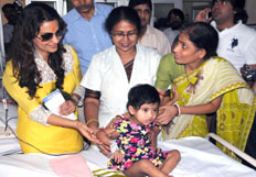 Juhi Chawla meet Thalasaemia children