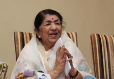 Lata announces Dinanath Mangeshkar awards 2014