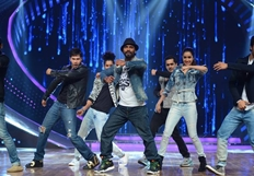 ABCD 2 Team on Nach Baliye 7 Show