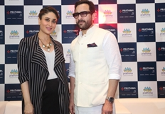 Saif Ali Khan & Kareena Kapoor at Prathima Hospital - photos