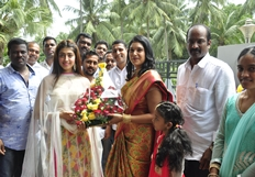 Pranitha Subhash Launches Hyper Super Market Photos