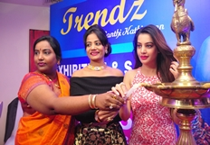 Diksha Panth Launches Trendz Exhibition Photos