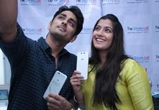 Siddharth Varalaxmi Experiencing True4G On LYF Phones Photos