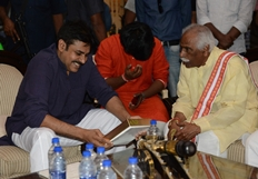 Dattatreya Invites Pawan Kalyan For Daughter's Wedding