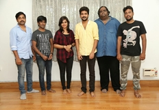 Natpuna Ennanu Theriyuma Movie Pooja Stills