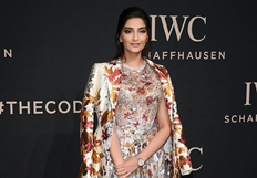 Sonam Kapoor Ralph Russo Iwc Gala Dinner 2017