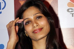 Freida Pinto supports girl child