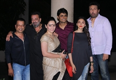 Sanjay Dutt celebrates 'Bhoomi' completion with team