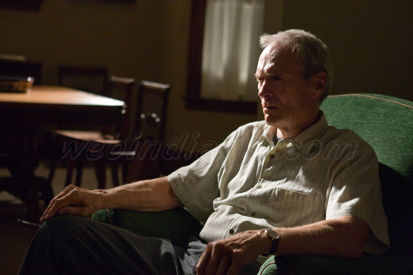Gran Torino Hollywood Movie Trailer Review Stills