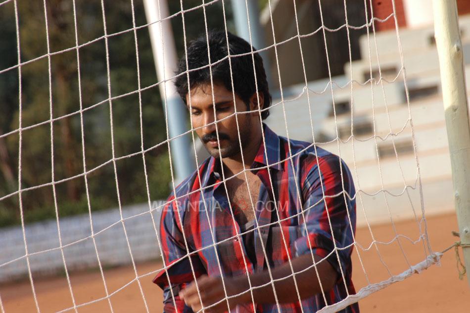 Ayyanar Veethi review. Ayyanar Veethi Tamil movie review ...