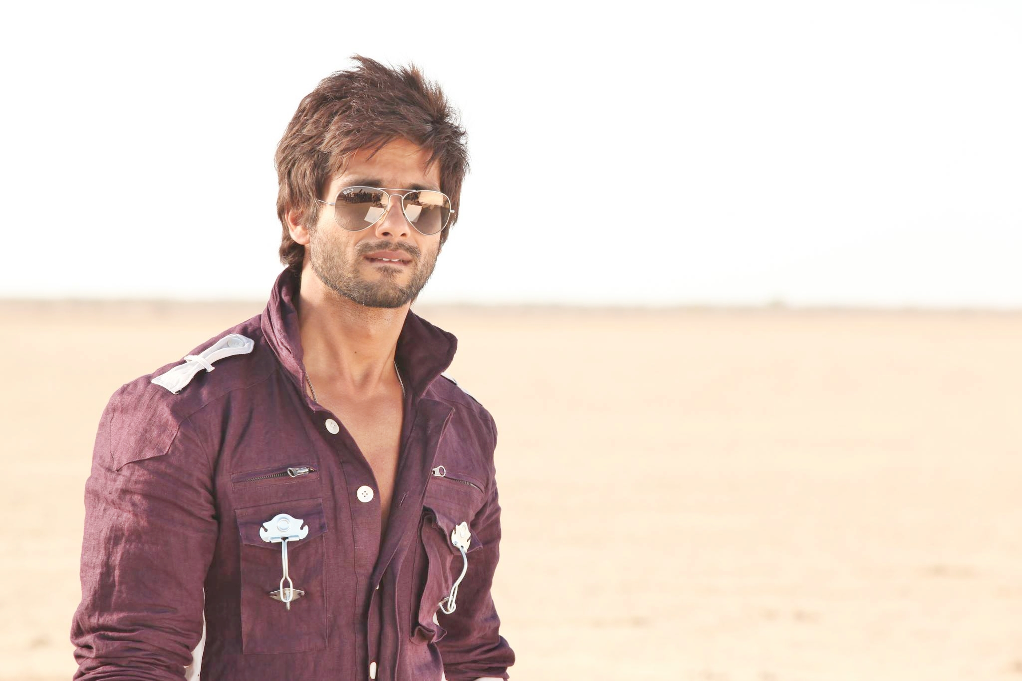 R Rajkumar Bollywood Movie Trailer Review Stills
