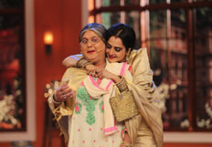 Rekha Promotes Super Nani on Comedy Nights with Kapil