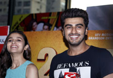 Alia and Arjun visits theatres