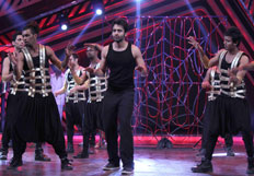 Jackky Bhagnani promotes his film Youngistaan on the sets of Boogie Woogie