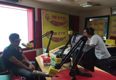 Randeep Hooda and Ketan Mehta on the sets of Radio Mirchi for the promotion of Rang Rasiya