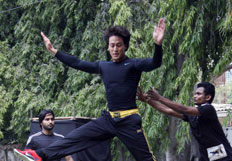 Tiger Shroff performs live action stunt to promote film Heropanthi