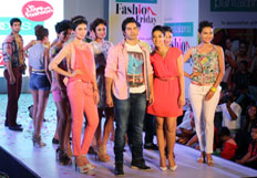 Varun and Ileana launch Pantaloons Fashion Friday