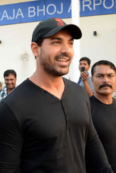 John Abraham shoot for film 17 Ko Shaadi Hai