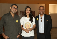Size Zero 1 KG Gold Contest Press Meet Photos