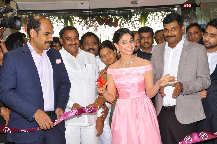 Thamanna-Bhatiya-Launches-Malabar-Gold10
