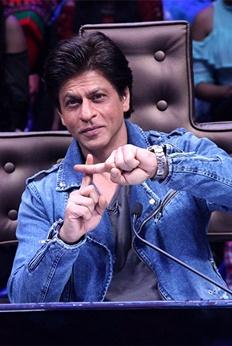 Shah Rukh Khan promotes Jab Harry Met Sejal on Dance Plus 3 sets