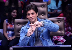 Shah Rukh Khan promotes Jab Harry Met Sejal on Dance Plus 3 sets