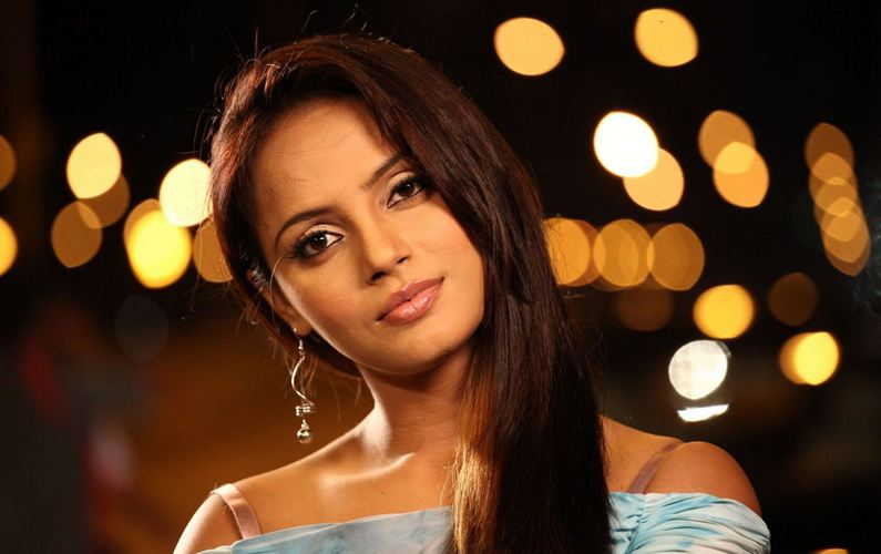 Neetu Chandra releases song on International Mother Language Day