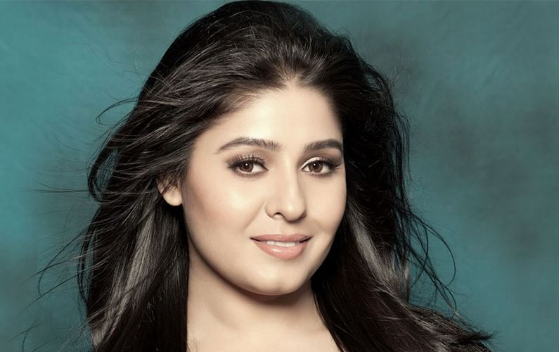 B Town Congrats Sunidhi Chauhan On Welcoming Son