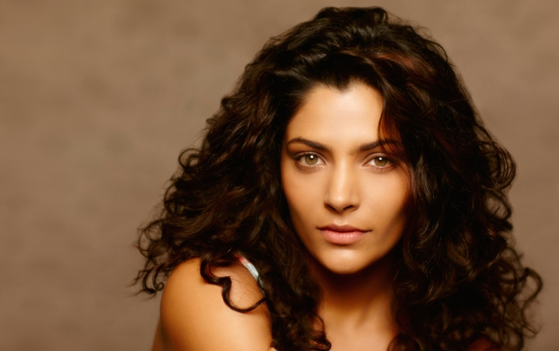 I really look up to Akshay Kumar: Saiyami Kher