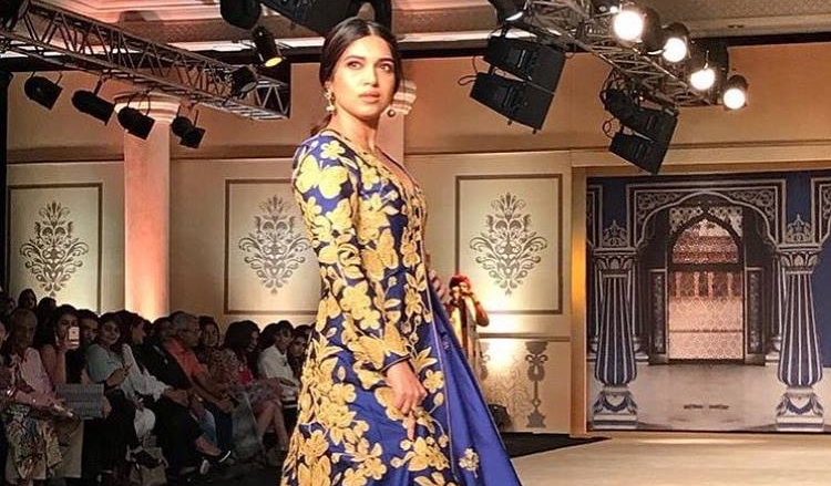 Reynu Taandon brings calmness on ramp with soothing colours