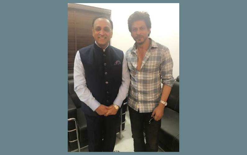 Shah Rukh Khan meets Gujarat Chief Minister