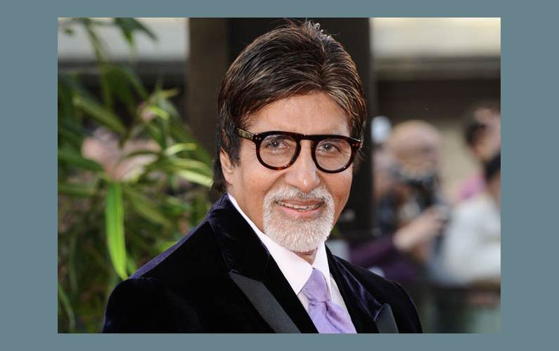 Amitabh gives A-Capella twist to 'Sar jo tera chakraaye'
