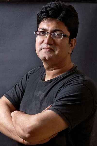 Karni Sena draws dagger against Prasoon Joshi