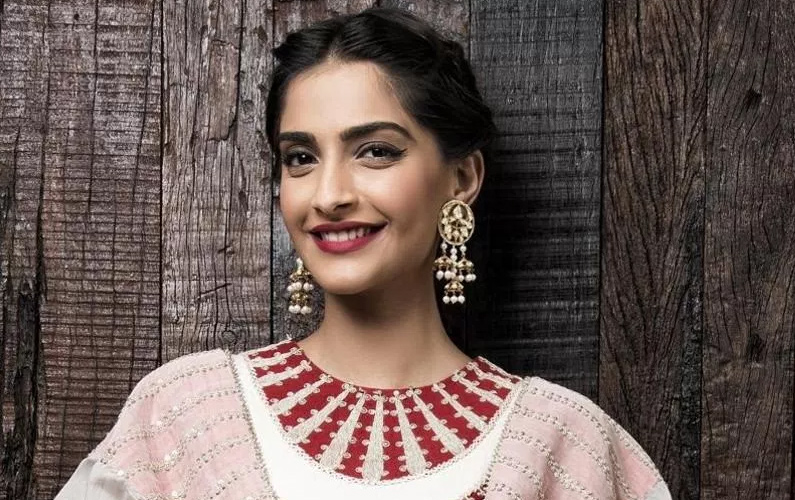 Sonam's 'Throwback Thursday' pic will make you nostalgic