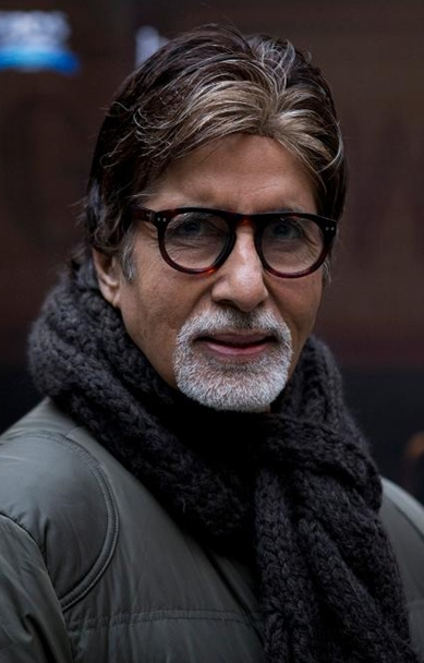 Big B remembers mother on her birth anniversary