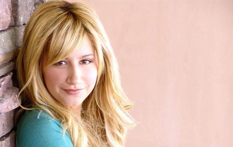Ashley Tisdale allows herself carbohydrates 'once a week'