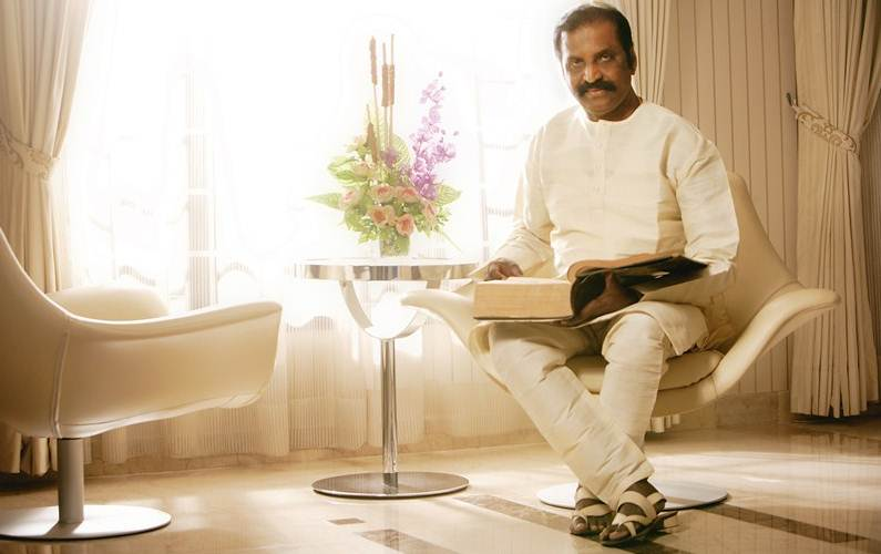 Statue of Balachander in his honour: Vairamuthu