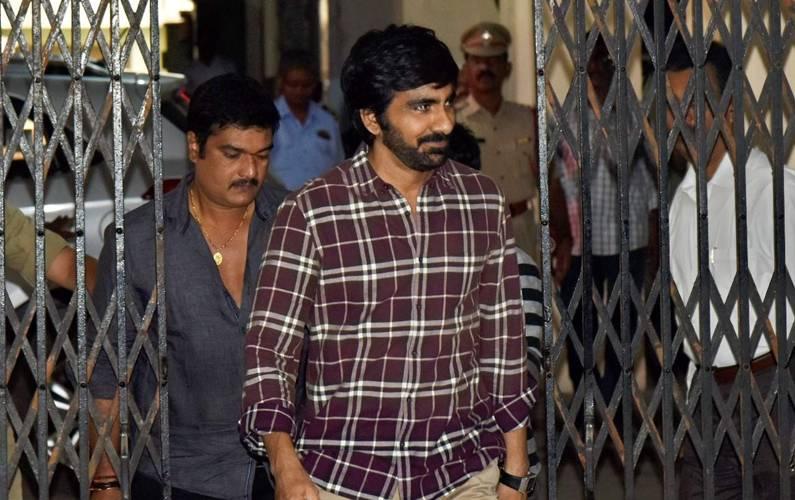 Actor Ravi Teja grilled for 10 hours in drug case