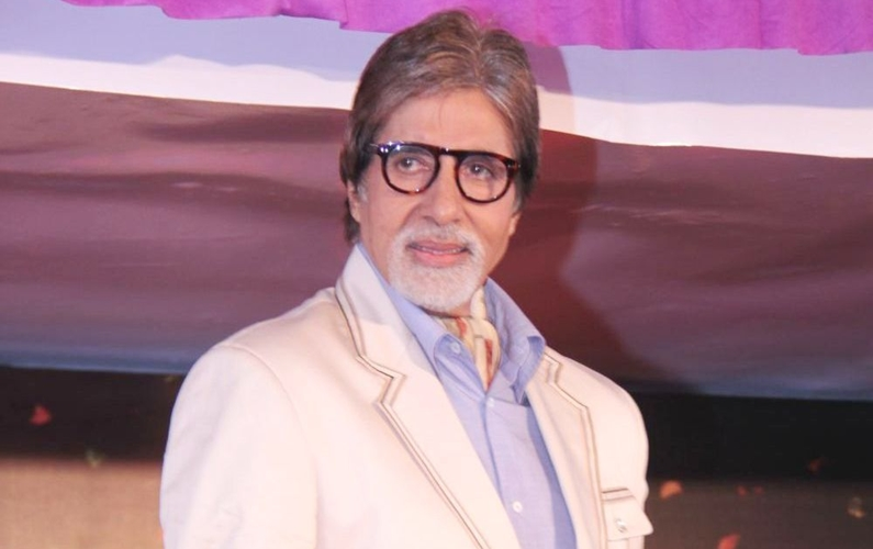 Providential escape: Big B on Fadnavis's chopper crash-landing