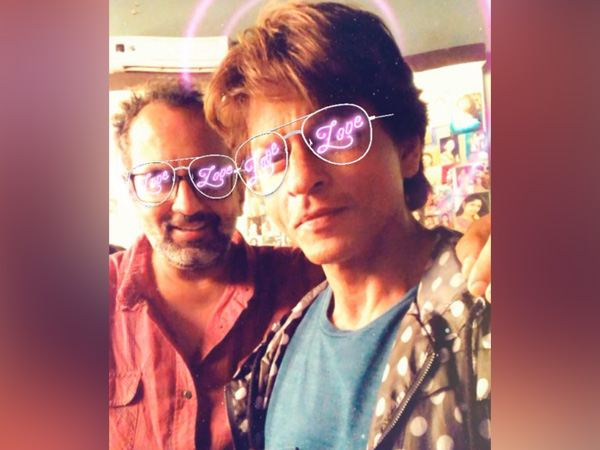 SRK, Aanand L Rai's 'shades of love' on sets of Zero