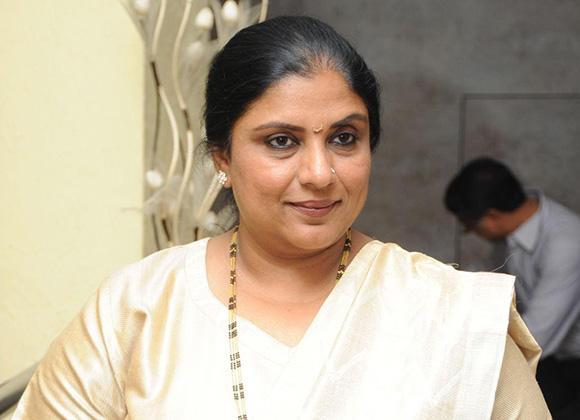 Actress Sripriya adds star power to Kamal's Makkal Neethi Maiam
