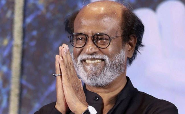 Rajinikanth seeks Karunanidhi's blessings for his political journey