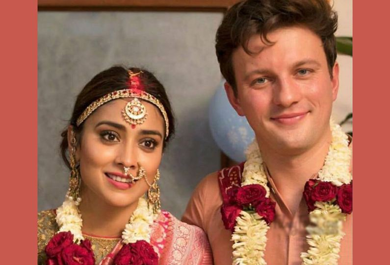 Shriya Saran has tied the knot with Andrei Koscheev