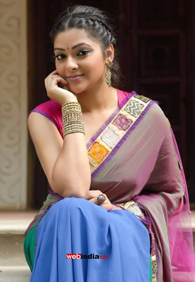 Abhirami Abhirami Photo Gallery Abhirami Videos Actress