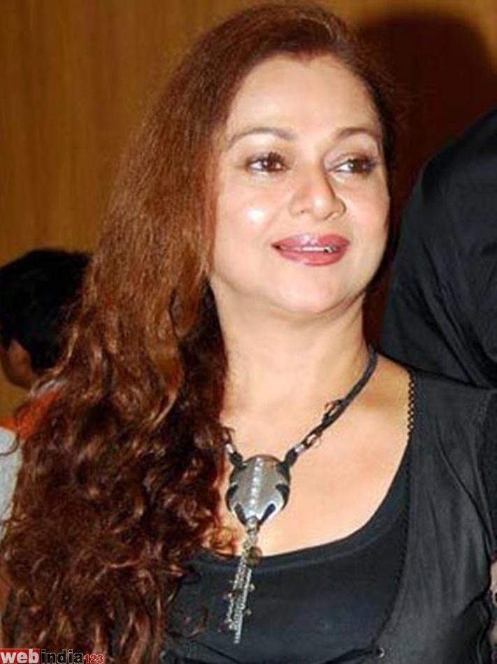 zarina wahab age